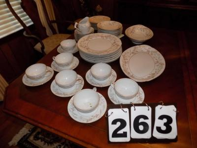 Harmony House Woodhue China (7 plates, 7 cups/saucers, 7 bowls, 8 small plates, Serving Bowl, Platter)