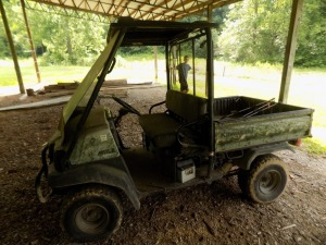 Kawasaki Mule 3010 4WD / Shows 2330 Hours (Not Running)