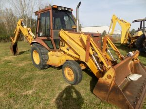 Case 580 Super K Backhoe w/Cab - No Air - Heat Only - Runs - 4898 Hrs.