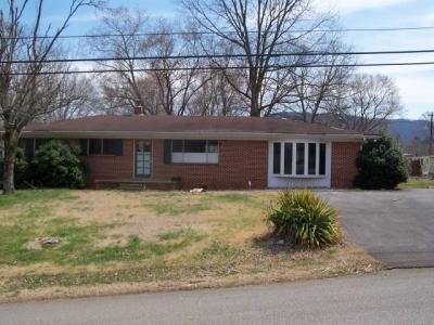 Property 114:  3 BR/1.5 Bath Brick Home & Large Lot, 140 Sequatchie Rd, Pikeville, TN  37367